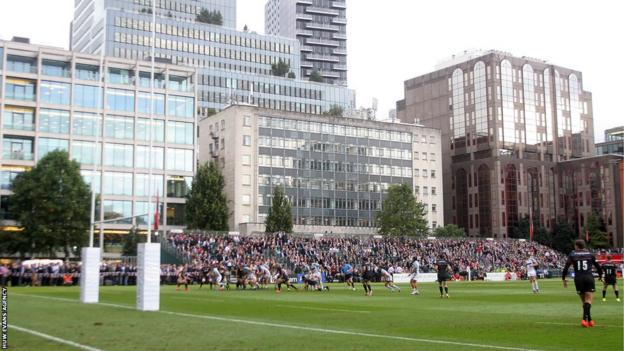 Ospreys' pre-season games came to a conclusion with a 39-5 defeat by Saracens in the City of London