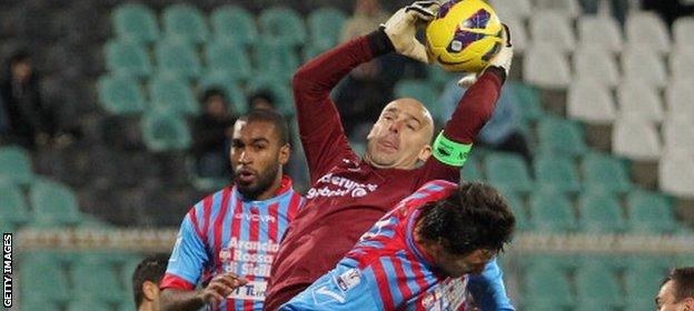 Andrea Pierobon during the match between Catania Calcio and AS Cittadella on December 4, 2012