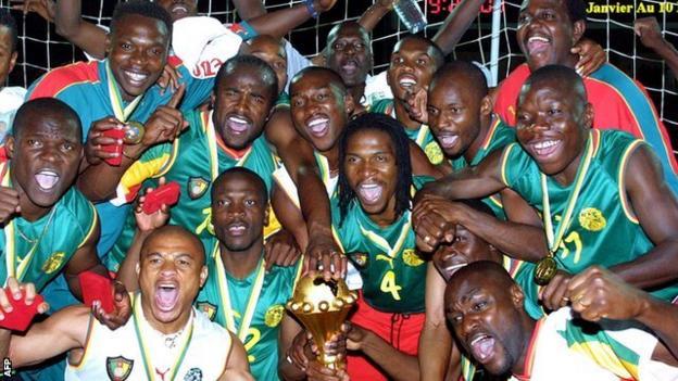 Samuel Eto'o (back row, second from right)