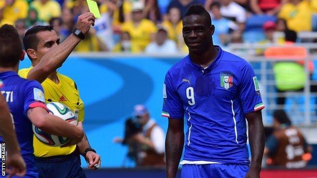 Mario Balotelli (right)