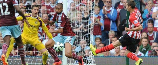Morgan Schneiderlin scores during Southampton's win over West Ham