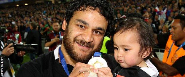 Weepu and his daughter
