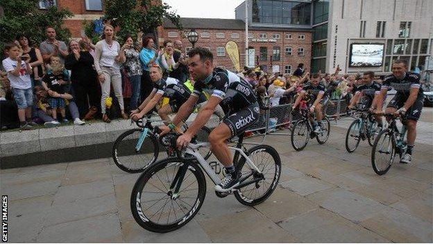 Mark Cavendish is left out of Great Britain squad for UCI Road World Championships