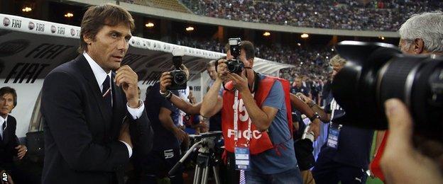 Italy head coach Antonio Conte