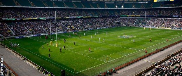 Saracens played Wasps at Twickenham to launch their Premiership bid