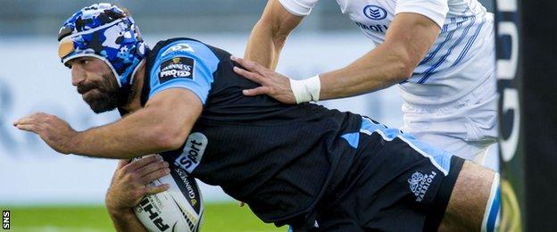 Josh Strauss scores a try for Glasgow Warriors against Leinster