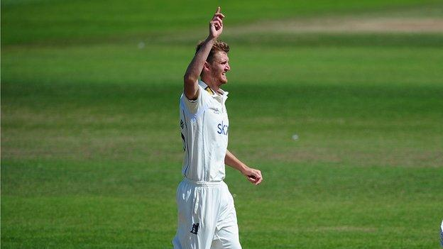 Warwickshire fast bowler Ollie Hannon-Dalby