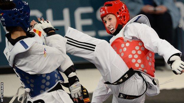 Jade Jones fights Eva Calvo Gomez