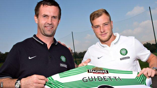 Celtic manager Ronny Deila and recent signing John Guidetti