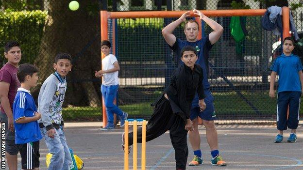 Pop-up cricket session in Grangetown