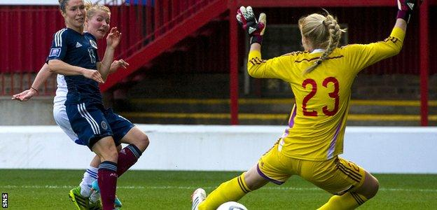 Jane Ross makes it 5-0 to Scotland