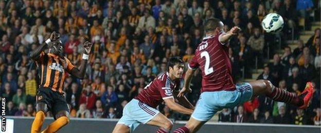 Mo Diame scores for Hull against his former club West Ham