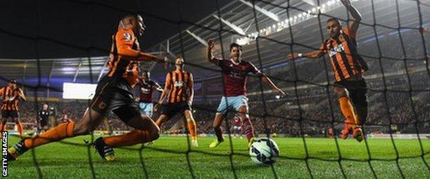 West Ham equalise as Hull defender Curtis Davies puts the ball into his own net