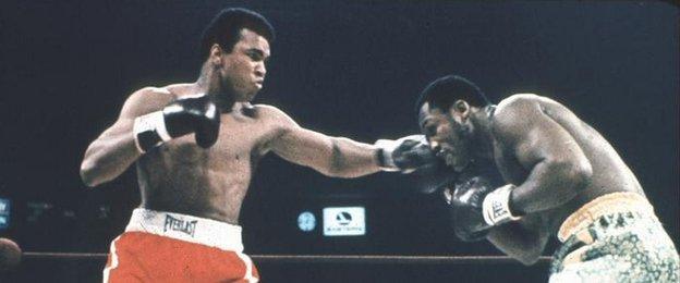 Muhammad Ali boxing Joe Frazier
