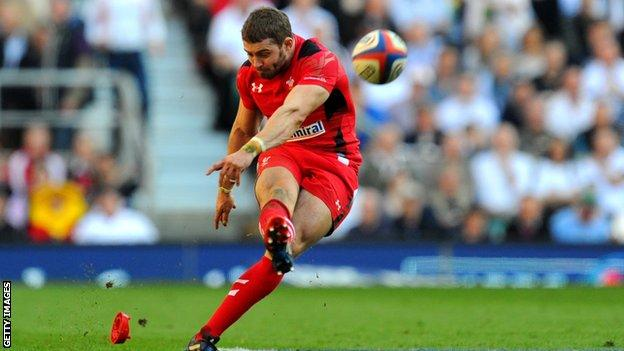 Leigh Halfpenny's goal-kicking talent is needed by Toulon
