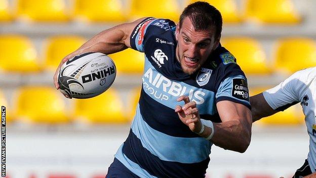 Cardiff Blues flanker Sam Warburton is the first player to hold a new dual contract