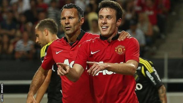 Manchester United loaned Chile's Angelo Henriquez to Dinamo Zagreb