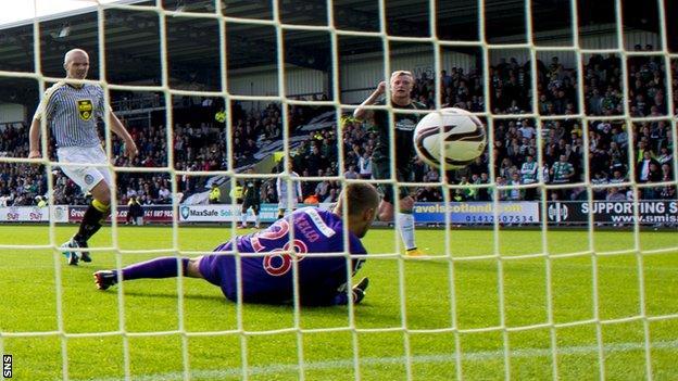 John Guidetti scores for Celtic against St Mirren