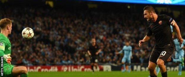 Francesco Totti scores Roma's equaliser