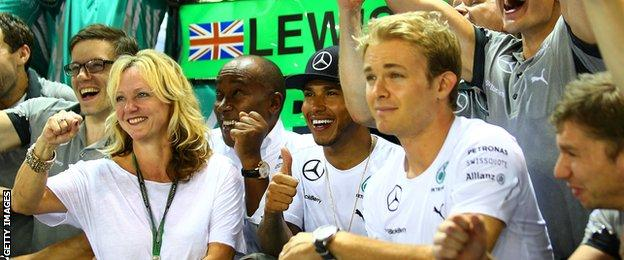 Lewis Hamilton and Nico Rosberg: Celebrations at the Singapore Grand Prix