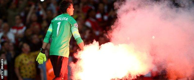Flares in Arsenal's win against Galatasaray