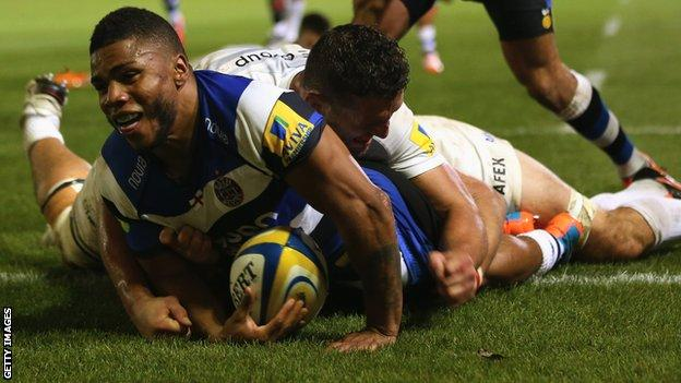 Kyle Eastmond scores for Bath