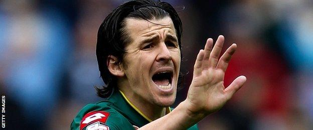 QPR midfielder Joey Barton told BBC Radio 5 Live he would like to see the English game lead the way with the Rooney Rule