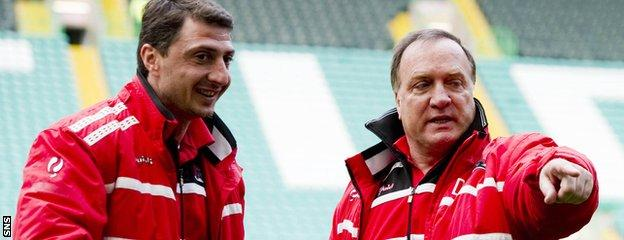 Arveladze worked under Dick Advocaat (right) during a stint as a coach at Dutch club AZ Alkmaar