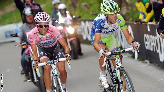 Alberto Contador (left) and Vincenzo Nibali