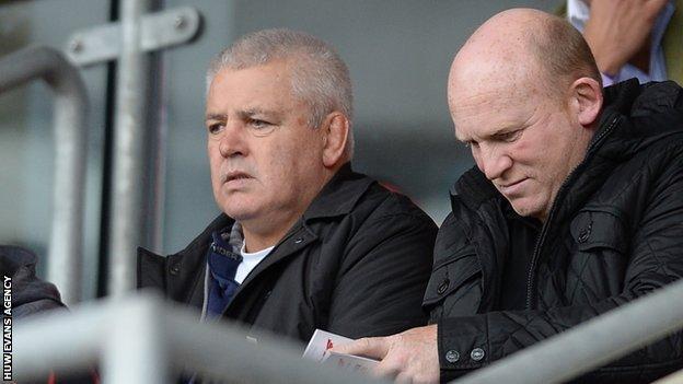 Warren Gatland and Wales assistant coach Neil Jenkins