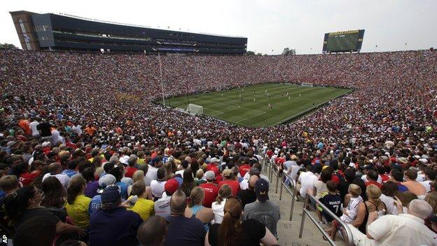 Manchester United played Real Madrid in front of a record US crowd of 109,318 in Michigan during pre-season