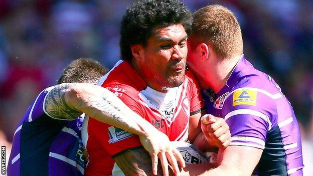 Mose Masoe takes on the Wigan defence
