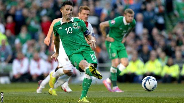 Robbie Keane scored a hat-trick in the Republic's 7-0 win over Gibraltar in Dublin on 11 October