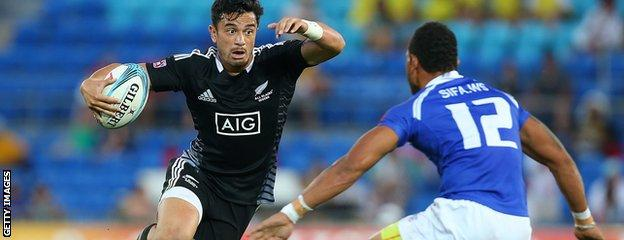 New Zealand's Sherwin Stowers in full flight for his side against Samoa at the Gold Coast Sevens