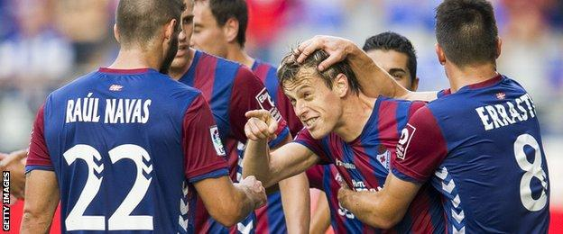Javi Lara scores Eibar's first La Liga goal