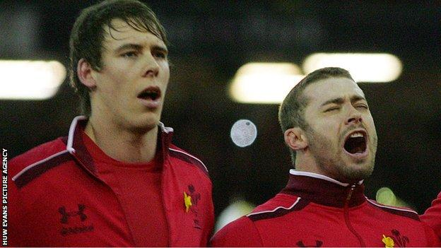 Liam Williams and Leigh Halfpenny singing the Welsh national anthem before an international