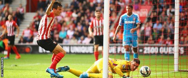 Vito Mannone may feel he could have kept Jack Cork's effort out as Southampton made it 3-0