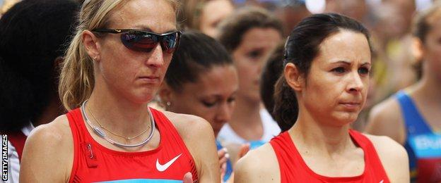 Paula Radcliffe and Jo Pavey on the start line of the London 10,000 in 2011