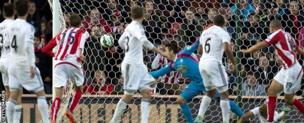 Jonathan Walters scores for Stoke