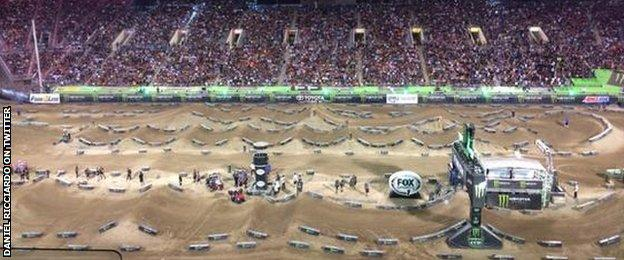 Daniel Ricciardo tweets a picture from the Supercross