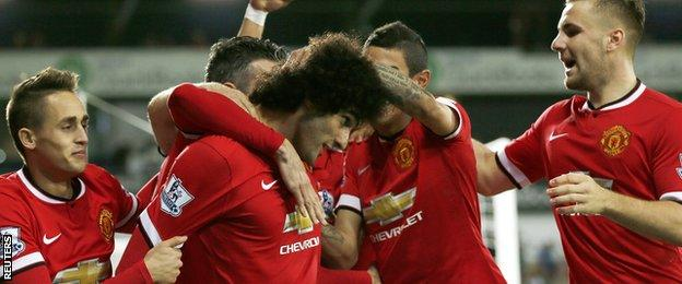 Marouane Fellaini slammed Manchester United level within minutes of coming on as a substitute