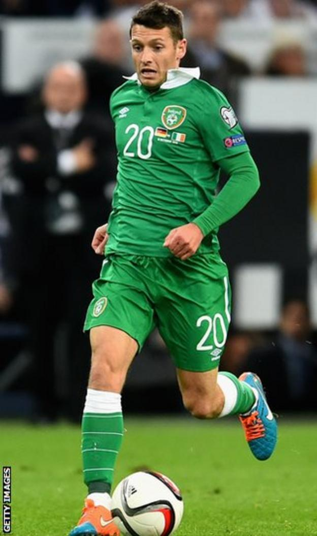 Norwich City midfielder Wes Hoolihan in action for Ireland