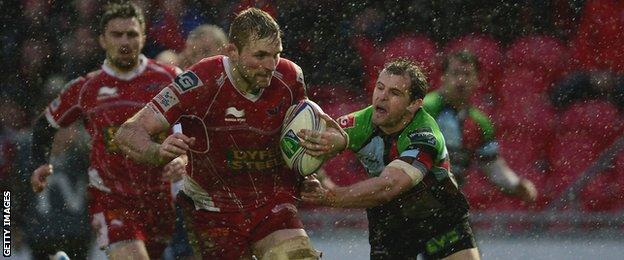 John Barclay impressed for Scarlets