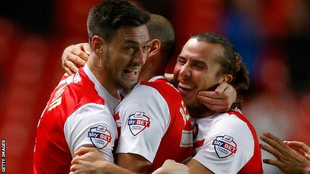 Charlton got back to winning ways by beating Bolton 2-1