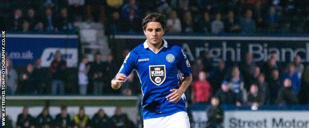 Davd Gonzalez in action for Macclesfield Town