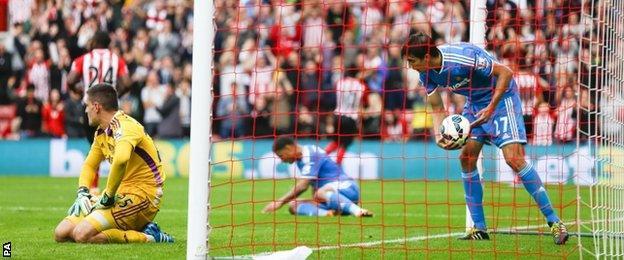 Sunderland concede their eighth goal against Southampton