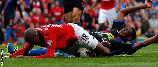 Ashley Young wins a controversial penalty against Crystal Palace