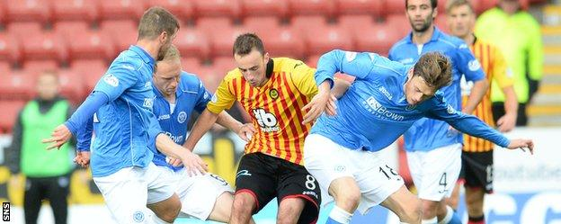 St Johnstone and Partick Thistle players