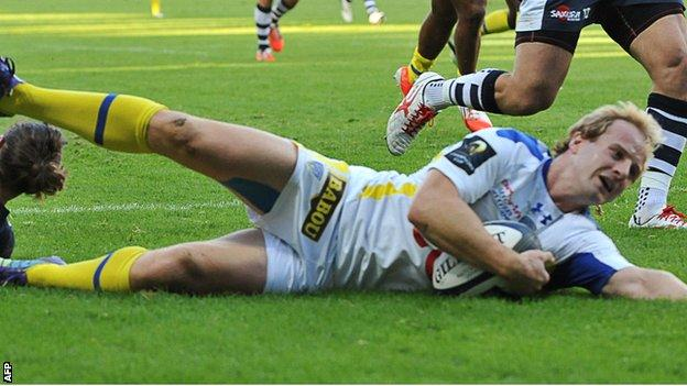 Nick Abendanon scores the first try for Clermont as they beat Sale