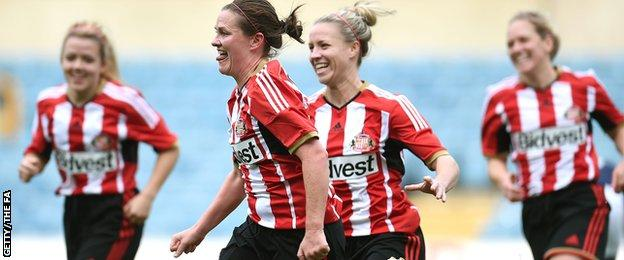 Kelly McDougall scored the opener to put Sunderland on the way to a 4-0 win at Millwall